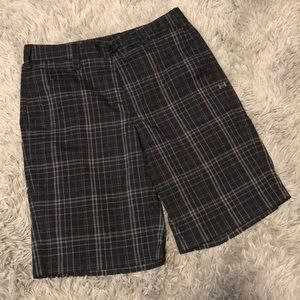 GENTLY USED Men's Under Armour golf shorts